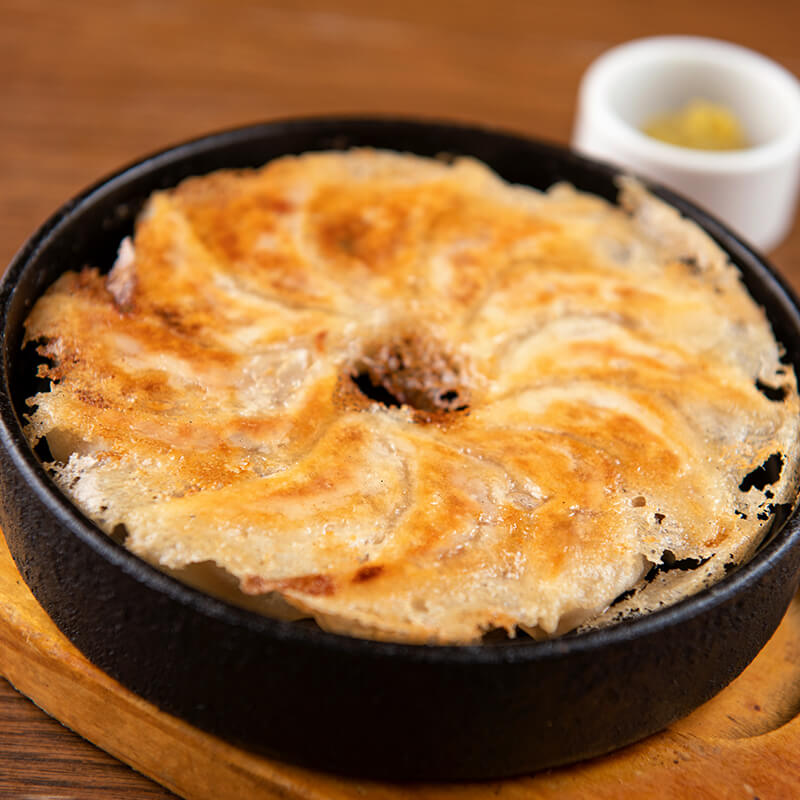 鉄鍋餃子の画像